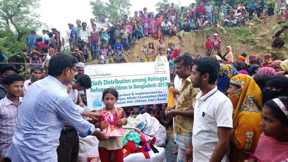 03 Cloth Distribution in the Rohingya Refugee Camps, Cox's Bazar, Bangladesh